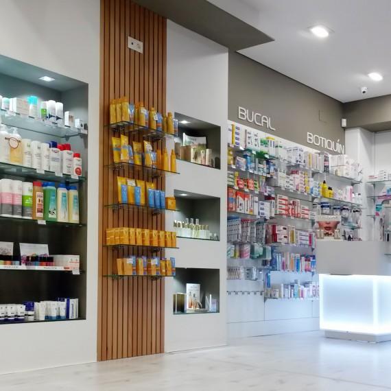Estanterias y Mobiliario de Farmacia Garabato