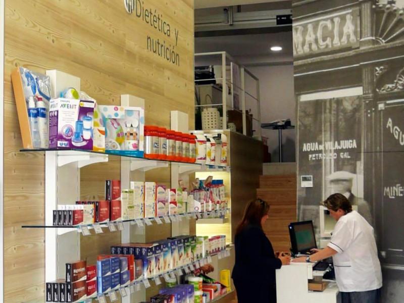 Expositor y mostrador Farmacia Gómez Taylor