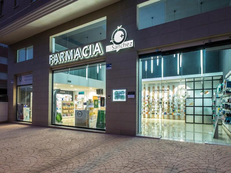 Fachada de la farmacia J.J. Sánchez