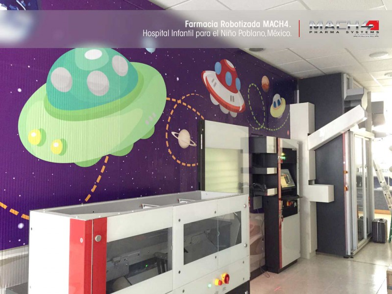 Farmacia en hospital con Robot MACH4