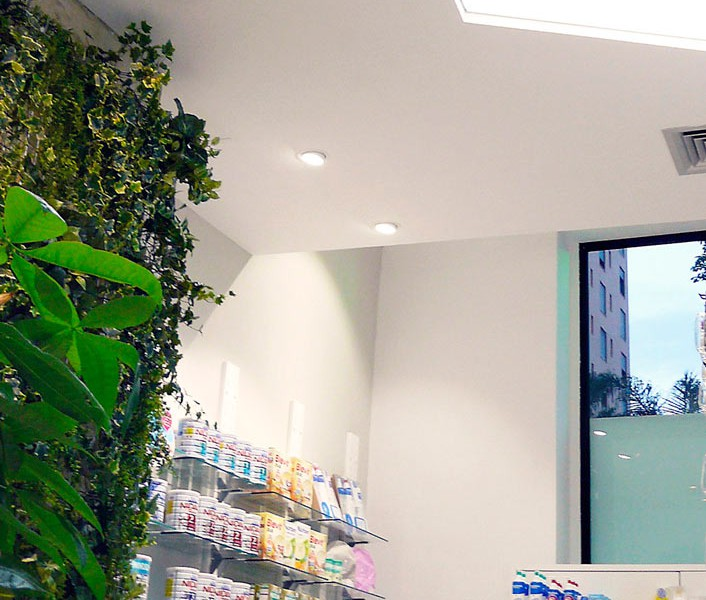 Interior mobiliario farmacia COR