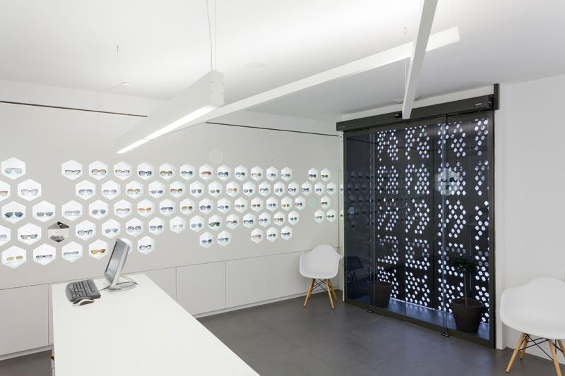 Interior Óptica Lancis cerrado