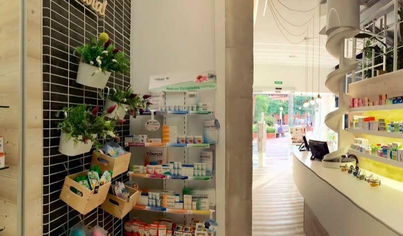 Panorámica mobiliario Farmacia Gómez Taylor